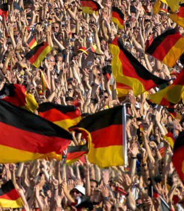 #125Deutschland-ist-raus-aber-Du-bist-drin_Durchstarter-podcast_Damian-Richter