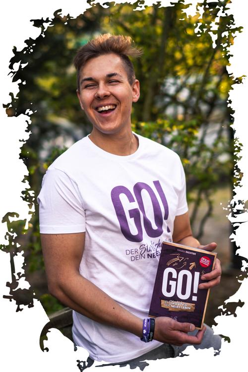 Marius mit dem Buch GO! ein Neuanfang für ihn.